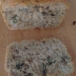 Chleb z 3 rodzajow mak